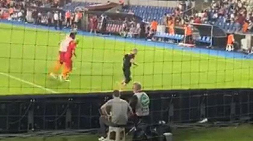 Galatasaraylı futbolcunun maçta çekilen görüntüsü isyan ettirdi