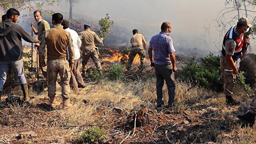 Milli Savunma Bakanlığı: 400den fazla Mehmetçik alevlere müdahale ediyor