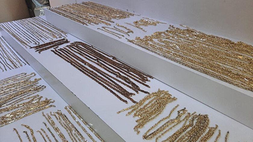 Bahçelievlerde ikiz kardeşiyle birlikte çalıştığı kuyumcundan 2.2 milyon liralık altın çaldı