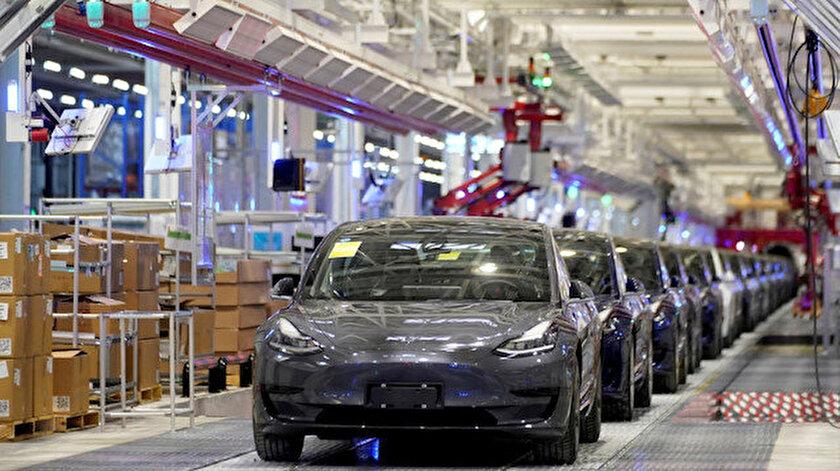 Çip krizi Teslayı da vurdu: Üretimini durdurdu