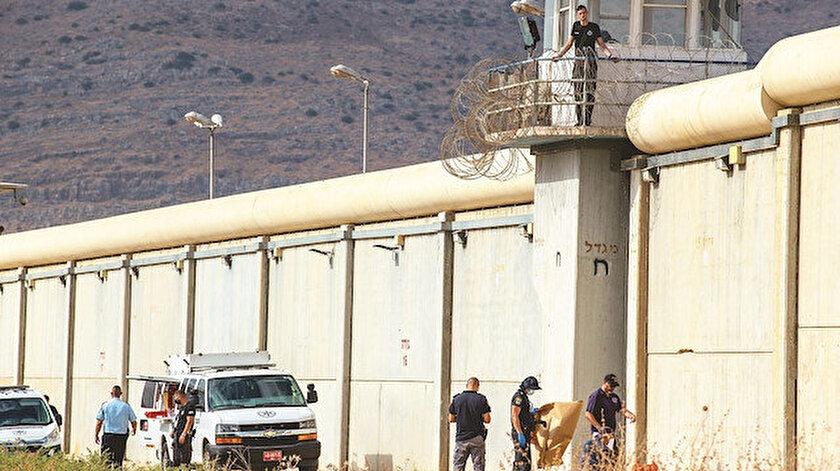 İsrail'i madara eden firar: 6 Filistinli 10 metre tünel kazıp kaçtı