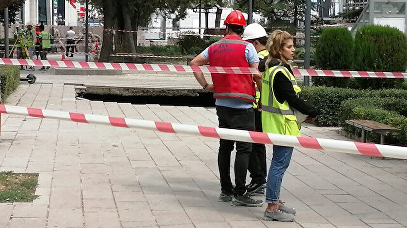 Ankarada metro inşaatında 10 metre genişliğinde göçük oluştu