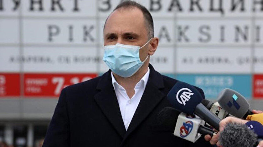 Kuzey Makedonya Sağlık Bakanı koronavirüs hastanesindeki yangın nedeniyle istifa etti