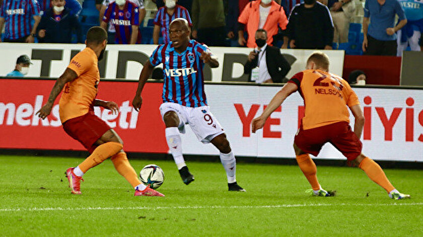 Akyazıda nefes kesen derbi: Galatasaray kaçtı, Trabzonspor yakaladı