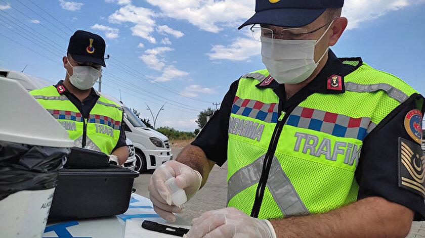 Polis uygulama noktasında fark etti: Okul servis şoförünün uyuşturucu testi pozitif çıktı