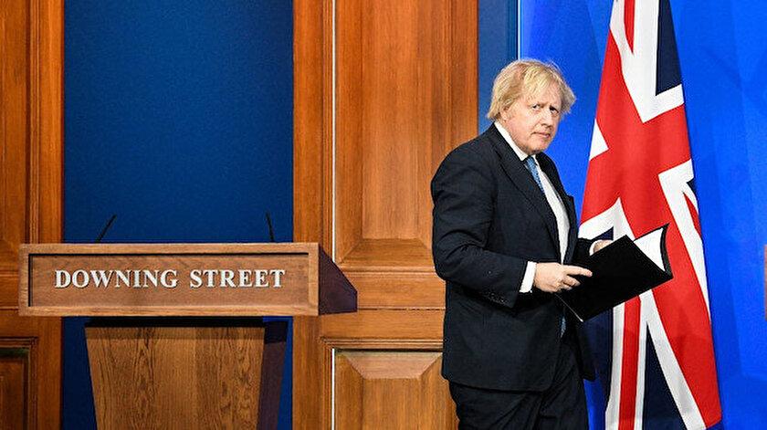 İngilterede beklenen kabine değişikliği: Boris Johnson 3 bakanı görevden aldı