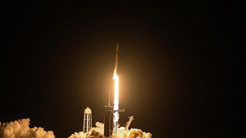 SpaceXin astronotsuz uzay turu başladı: Yolculardan ilk açıklama geldi