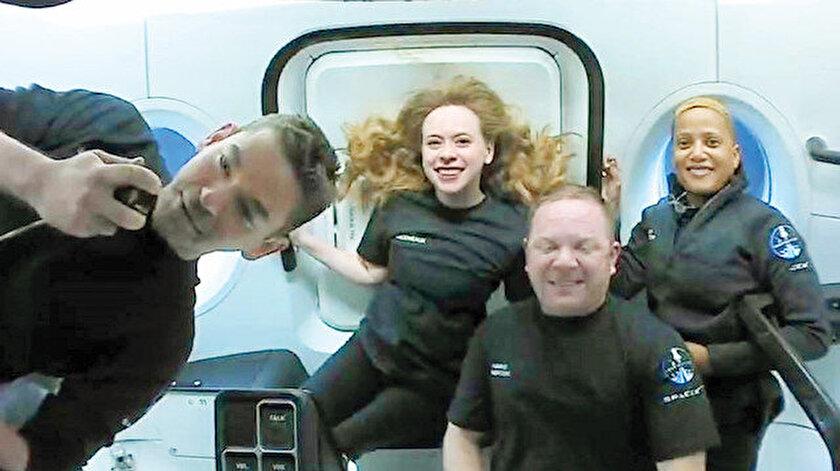 Uzay turistleri yörüngede: Uzaya giden turistler