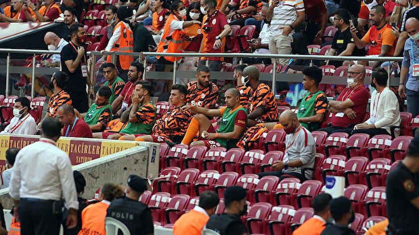 Galatasaraylı futbolcuyu şoke eden tepki: O formayı çıkart
