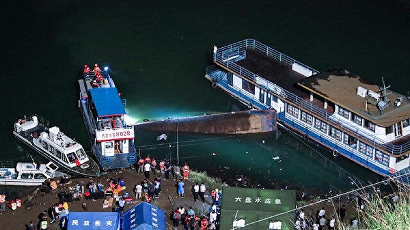 Çin'de kapasitesinin üzerinde yolcu alan vapur alabora oldu: Dokuz kişi öldü