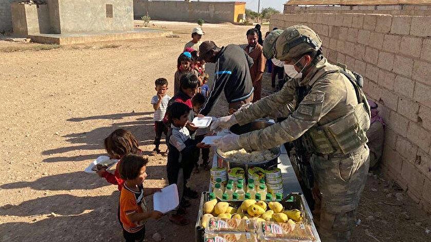 MSB duyurdu: Mehmetçikten Barış Pınarı bölgesindeki ihtiyaç sahiplerine yardım