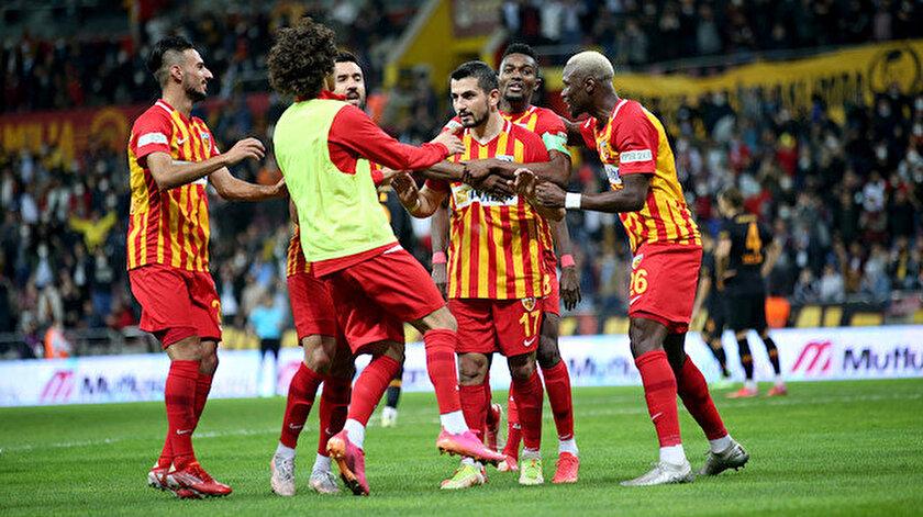 Galatasaraya Kayserispor karşısında soğuk duş: Aslan dört maçtır kazanamıyor