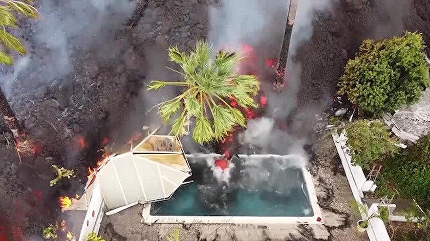 Kanarya Adaları'nda yanardağ dehşeti: Akan lavlar havuzu doldurdu