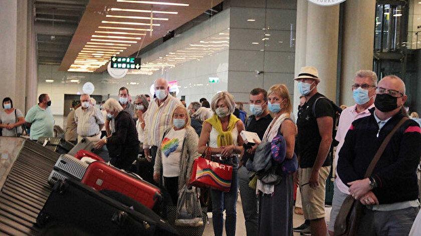 Bir yıl aradan sonra ilk İngiliz turist kafilesi Dalamanda