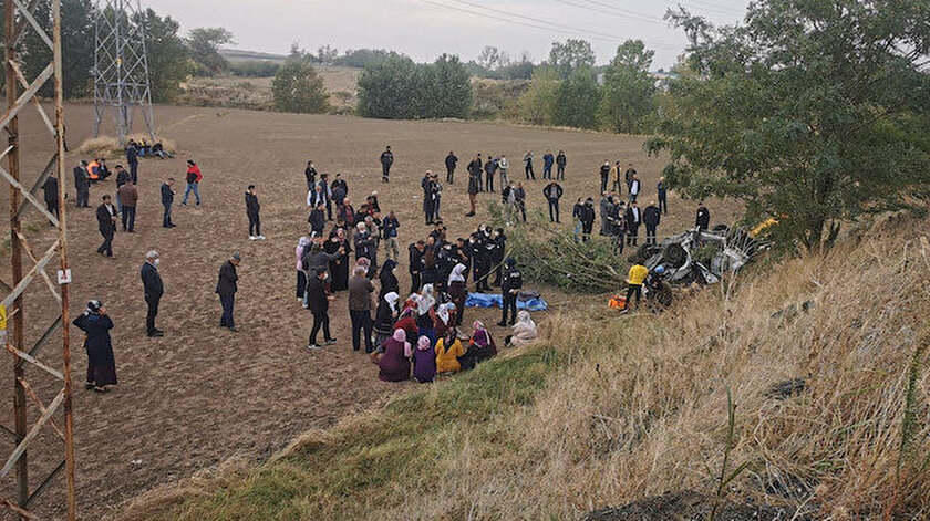 Tekirdağda şarampole devrilen otomobildeki 3 kişi öldü - Son dakika haberleri