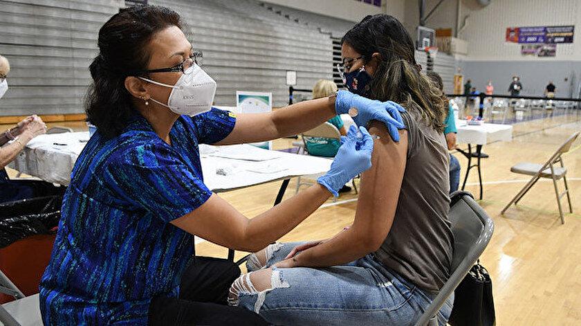 Texas'ta şirketlerin Kovid-19 aşısını zorunlu tutması yasaklandı