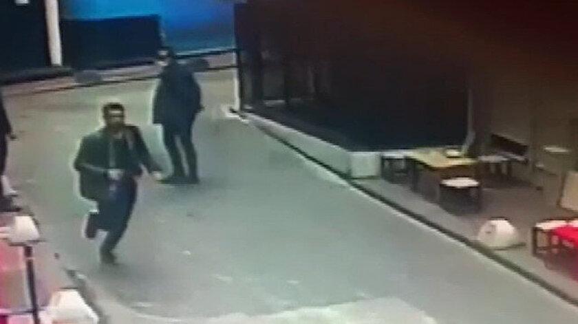 İstiklal Caddesinde Yolu açar mısınız? diyen kişi kalçasından vuruldu