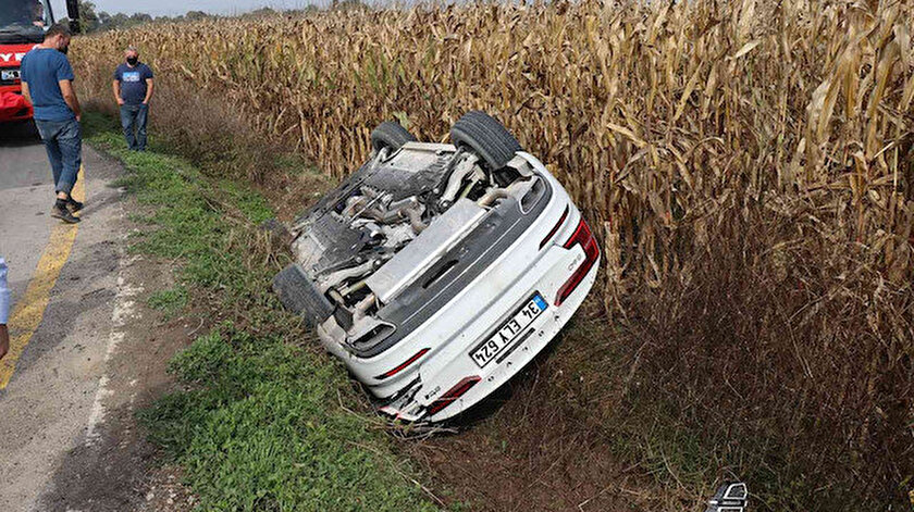 Lüks otomobil takla atıp mısır tarlasına devrildi: Sürücünün burnu bile kanamadı
