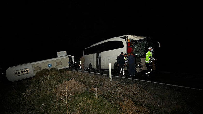 Nevşehirdeki trafik kazasında 39u öğrenci 44 kişi yaralandı.