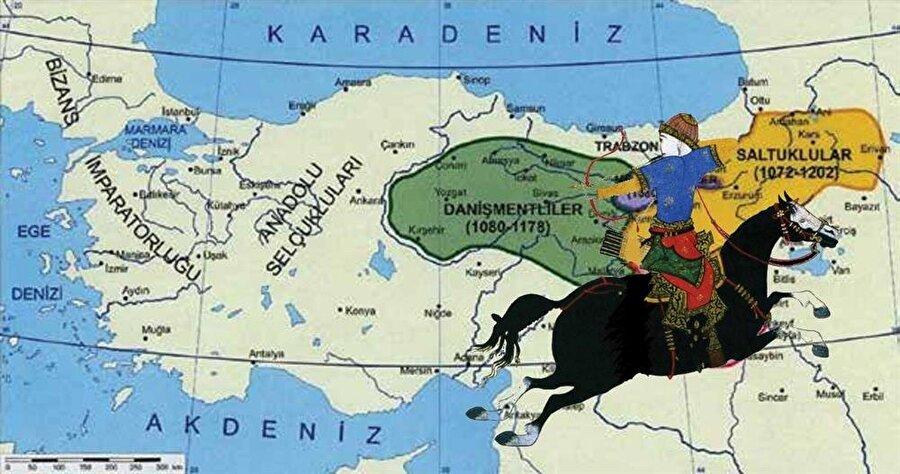 Kurulduğunda Sivas merkez olmak üzere Tokat, Niksar, Amasya, Çorum ve Elbistan topraklarını içine alan Danişmendoğulları Emir Gazi zamanında Selçuklu topraklarını ele geçirip Anadolu'nun en kudretli Türk beyliği haline gelmişti.