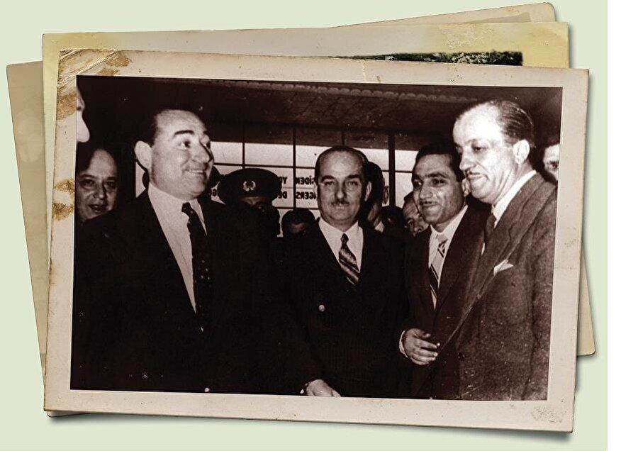 Necip Fazıl'ın Başbakan Adnan Menderes ile ilişkisi inişli çıkışlı bir seyir izledi. Çok yakınlaştığı zamanlar olduğu gibi onu eleştirdiği de vâki idi. Bir yazısında dediği gibi onun yüzünde hep Anadolu halkının ümidini gördü.(Büyük Doğu arşivi).