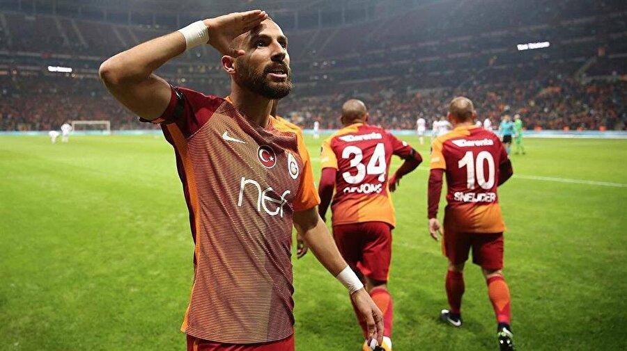 Galatasaraylı milli futbolcu Yasin Öztekin, Beşiktaş'taki hain terör saldırısından sonra Gaziantepspor'a attığı golün ardından asker selamı vermişti.