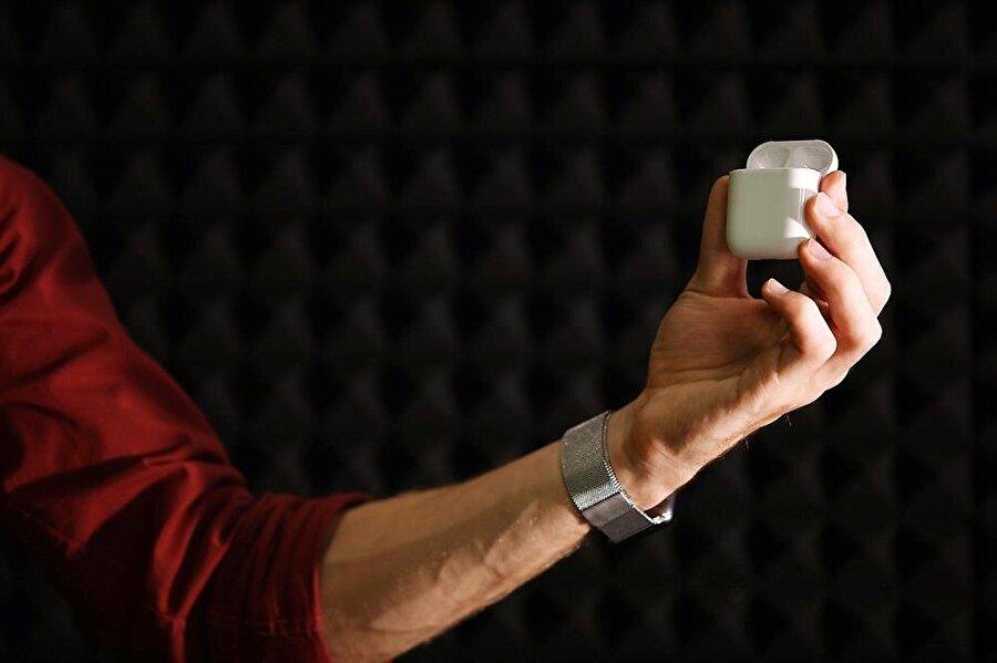 AirPods'un kutusunu kaybedenler ise 69 dolar karşılığında Apple'dan tekrardan yeni bir kutu satın alabiliyor.