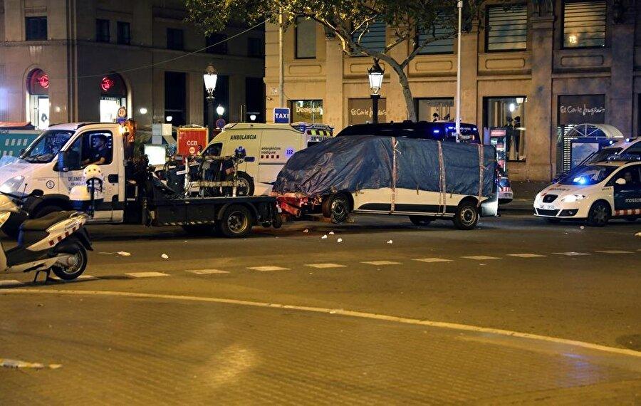 Teröristin kullandığı minibüs
