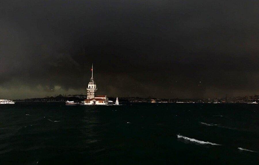 Geçtiğimiz günlerde çıkan fırtına nedeniyle İstanbul'da yerleşim yerleri zarar görmüştü.