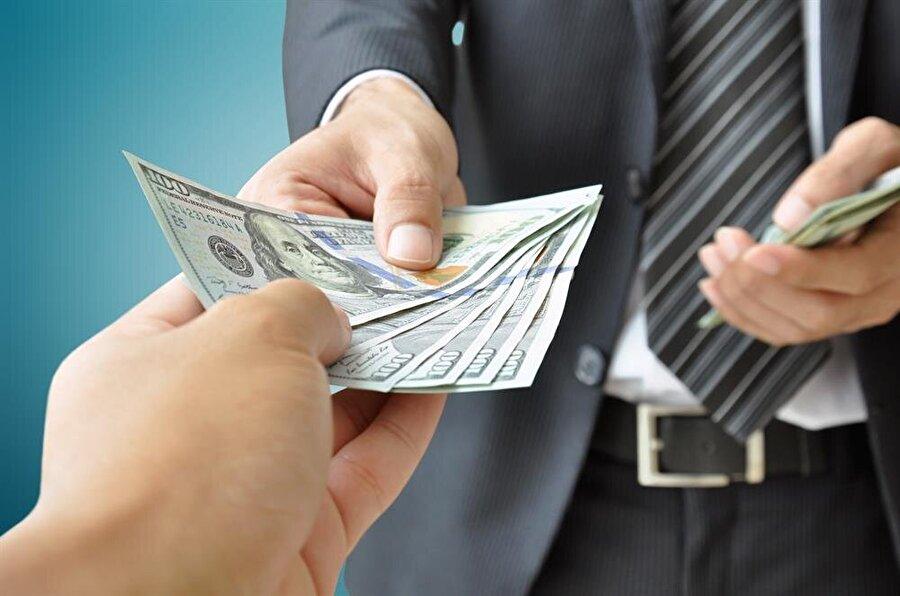 Paranın yerini alan kredi kartı sistemlerinin yerini 'gülücük' alacak.