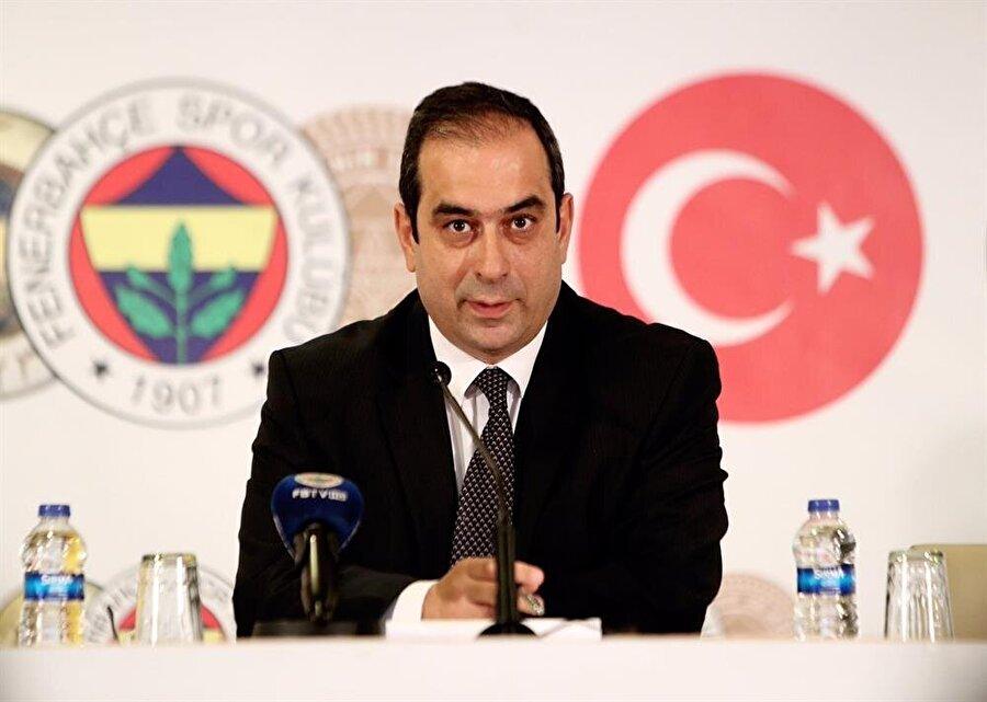Şekip Mosturoğlu, yeni transferler için düzenlenen imza töreninde Beşiktaş'ı hedef aldı.