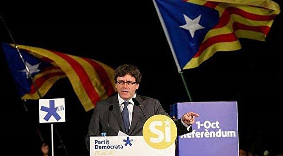Katalonya Bölgesi Başkanı Carles Puigdemont