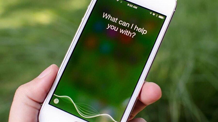 Apple Siri, özellikle iOS 11 desteğiyle birlikte çok daha gelişmiş bir deneyim sunuyor.