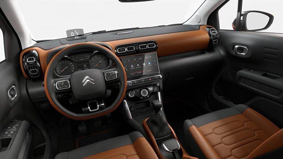 Citroen C3 Aircross'un içinden bir görünüm.