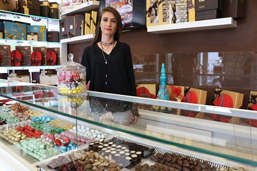 Girişimci Selda Sunay, 6 yıl ücretli öğretmenlik yaptıktan sonra çikolata satmaya başladı.