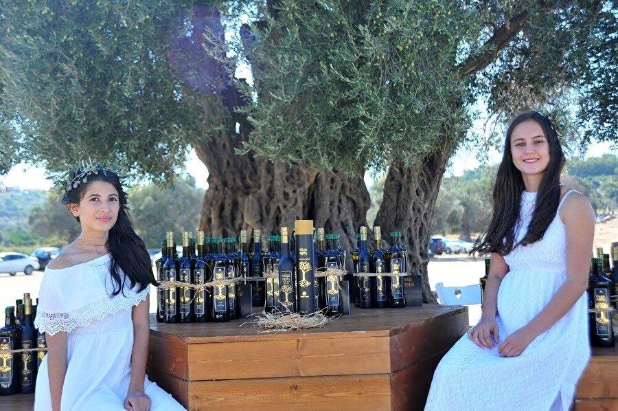 Yarım litrelik zeytinyağı Şah Tuğrul tarafından 22 bin liraya satın alındı.