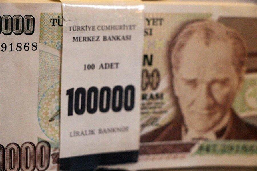 Banknotların her biri 30 liradan satışa sunuldu.