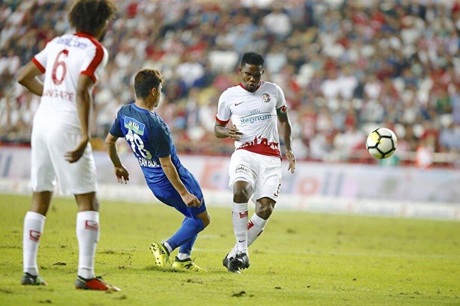 Antalyaspor evinde Kasımpaşa'yı 2-1 mağlup etti.
