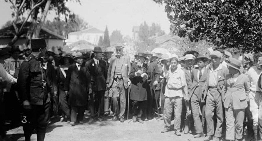 İkinci Dünya Savaşı sırasında Yahudilere yönelik Nazilerin gerçekleştirdiği soykırım sebebiyle göç oranı giderek arttı.