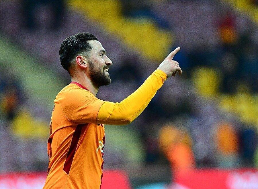Öte yandan maça damga vuran isim, 3 asist ve 1 golle oynayan Sinan Gümüş oldu.