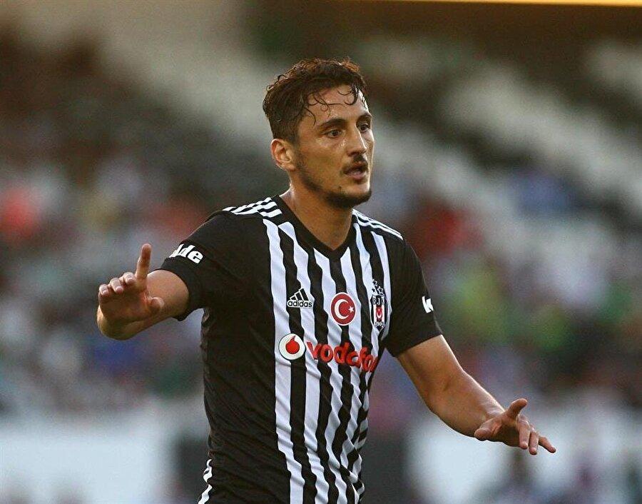 Mustafa Pektemek'in de eski kulübüne dönmeye sıcak baktığı gelen haberler arasında.