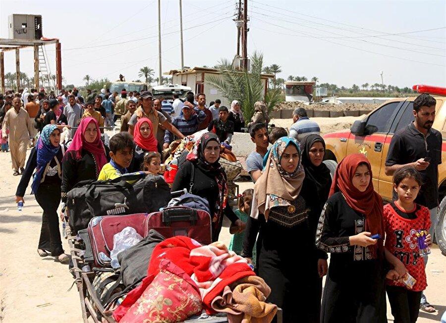 Libya halkı çatışmalar nedeniyle ülke içinde farklı bölgelere göç etmek zorunda kaldı.