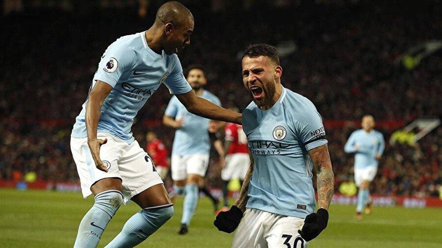 Manchester City oynadığı futbolla rakiplerini tek tek gerisinde bırakıyor.