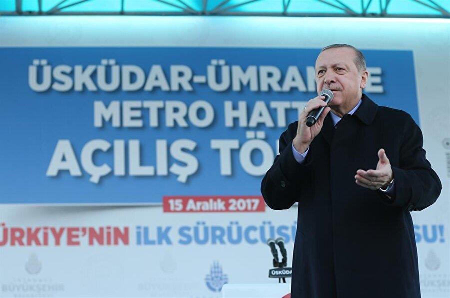 Cumhurbaşkanı Recep Tayyip Erdoğan, Üsküdar Meydanı'nda düzenlenen Üsküdar-Ümraniye Metro Hattı açılış törenine katılarak konuşma yaptı.(AA)