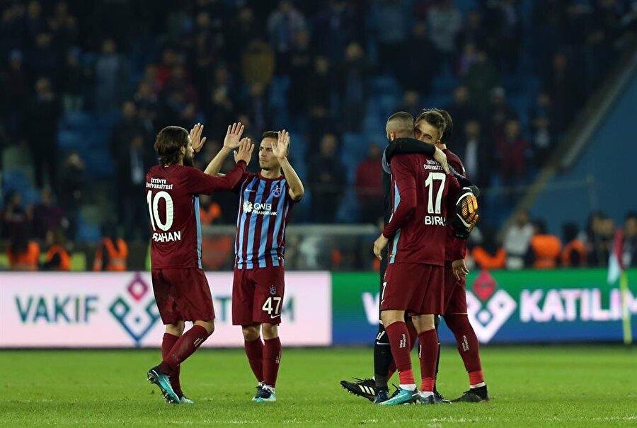 Trabzonspor, Süper Lig'in 16. haftasında Bursaspor'u 1-0 mağlup etti. (Fotoğraf: AA)