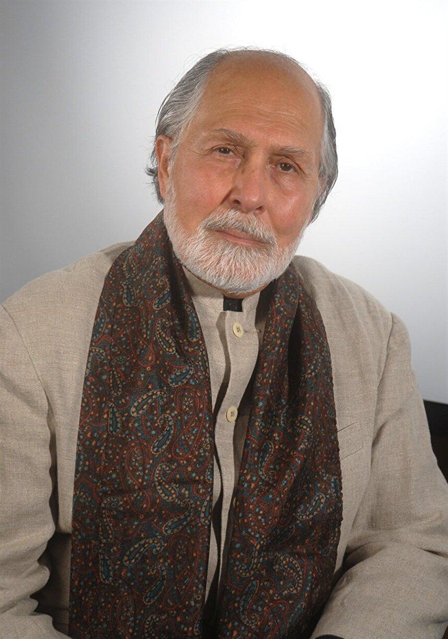 Seyyid Hüseyin Nasr, Tahran Üniversitesi rektörlüğü görevini de yürüttü.
