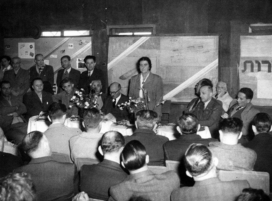 Meir, İsrail Bağımsızlık Bildirgesi'nin altında imzası bulunan isimlerden biriydi.