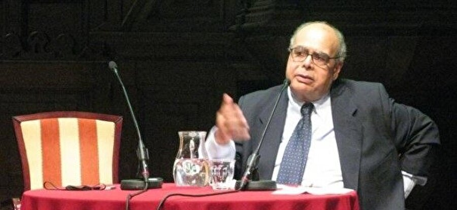 Nasr Hamid Ebu Zeyd, davet edildiği pek çok yerde protestolarla karşılaşan bir isimdi.