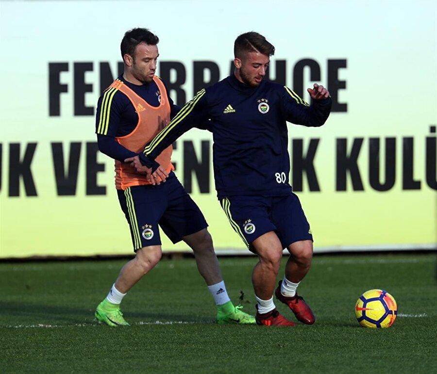 Fenerbahçe, Konyaspor maçının hazırlıklarını tüm hızıyla sürdürüyor.
