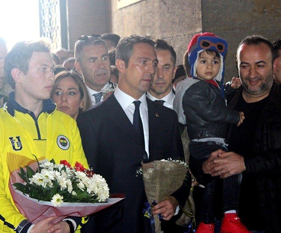 Ali Koç, Fenerbahçe'nin mayıs ayında gerçekleştireceği seçimde başkanlığa aday olduğunu açıkladı.
